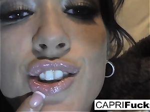 Capri Cavanni play with her wet vagina