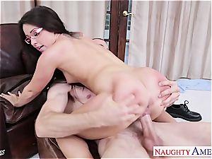 mischievous nubile eliminates her specs before pops bursts at her