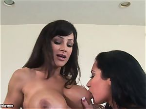 2 insane big-chested milf with curvaceous figures Lisa Ann and Jayden Jaymes have g/g hookup with a strap-on