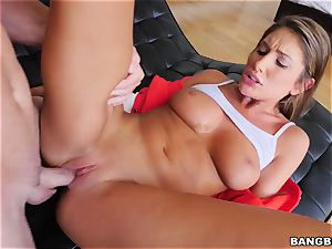 OMFG! I saw my sista August Ames frigging her cunny, and I want to smash her