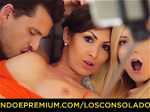 LOS CONSOLADORES - big-chested Yasmin Scott ravaged in super-steamy FFM