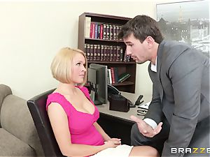 Krissy Lynn pummeled by her nasty shrink