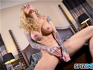 tattooed lean blond Sarah Jessie messes with her gash
