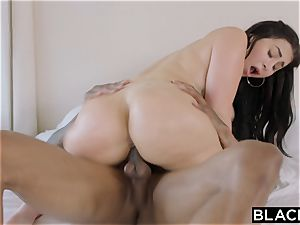 BLACKED curvy Latina Gets predominated By A prominent Rapper