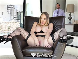 luxurious housewife sexual duties