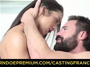 casting FRANCAIS - amateur cutie poked and jizz frosted