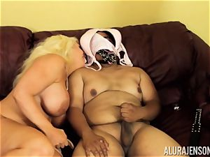 Alura Jenson gets a bit horny and embarks to spank