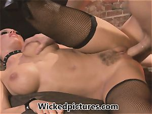 domme Nicole Aniston manages her boy