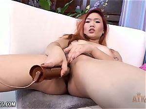 Lea Hart fingering her wet pussy