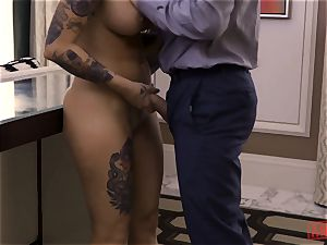 Tana Leas pooper takes James deens cock for a ride