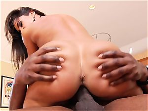 Lisa Ann rails her cock-squeezing poon on this thick manhood