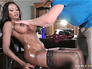 black manager Diamond Jackson sensuous rubdown and blessed finishing