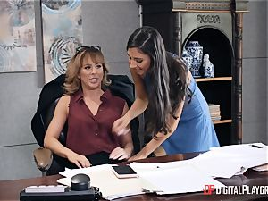 mummy Cherie Deville gets her cunt eaten in her office by Gianna Dior