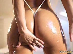 Oily splashing session with Franceska Jaimes