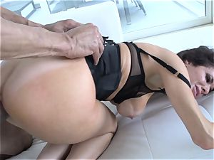 Veronica Avluv splatters from the girth of this super-fucking-hot spunk-pump