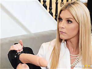 Gina Valentina