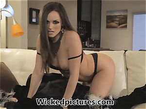 Randy Russian Tori dark-hued is a dominating darling
