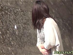 japanese newcummer pisses