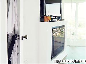 Brazzers minx Ava is a superb muff cat