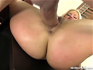 red-hot milf chief Does What She Wants