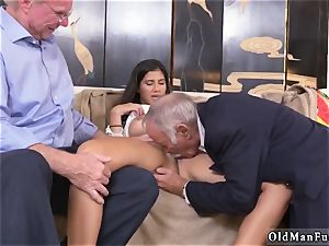 wild senior cougar and stud gets fellatio first time Going South Of The Border