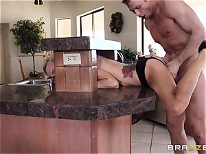 Sarah Jessie ends her run with a strangers phat man sausage
