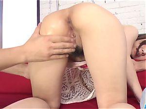 Hitomi Oki mind inhaling gang porn on the bed