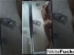 Nikita's cool home vid