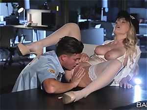 Natalia Starr penetrated by the night security guard