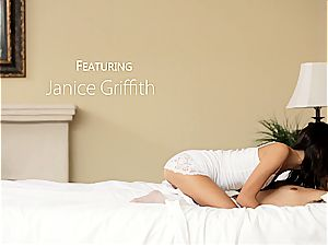 Janice' sizzling oral session
